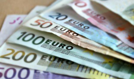Aktualizacja kursu kasjera walutowo-złotówkowego: Nowe banknoty 100 i 200 euro
